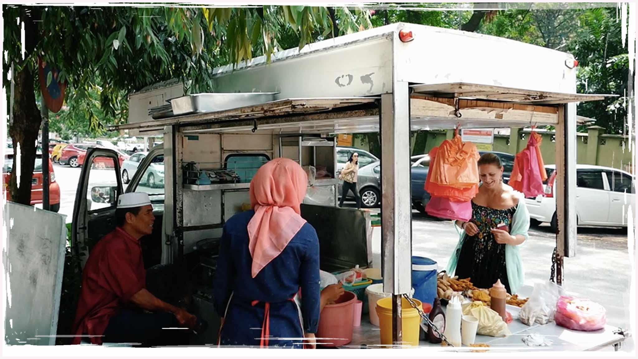 VLOG   Kuala Lumpur Fried Banana Street Food