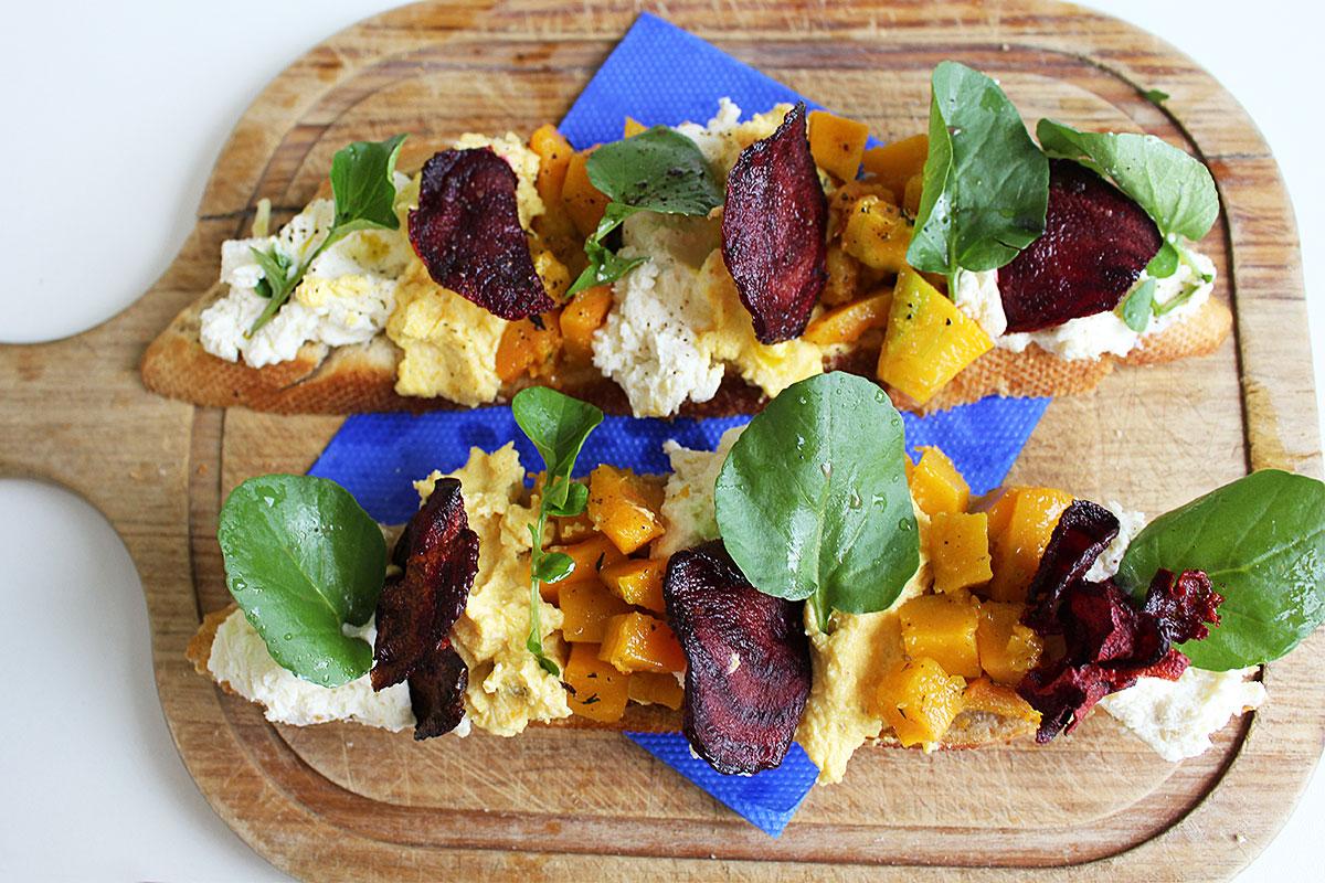foto da receita de bruschetta de abóbora com ricota do jamie oliver