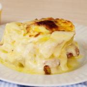 batata ao queijo, bacon e ovo
