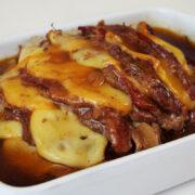 Carne Sanfonada recheada com Bacon e Queijo