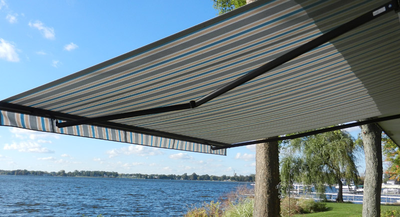 retractable sun awning