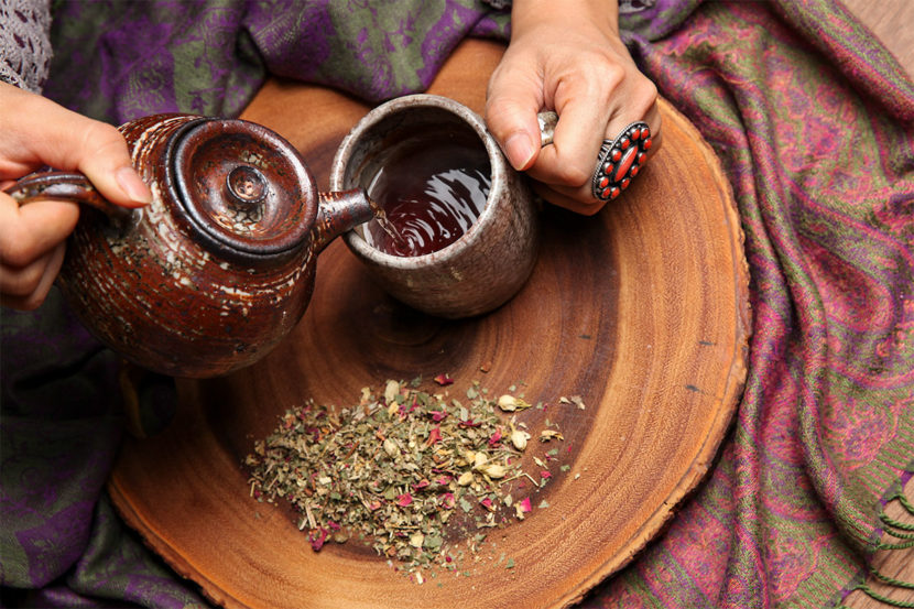 Pouring Eroteaque tea blend