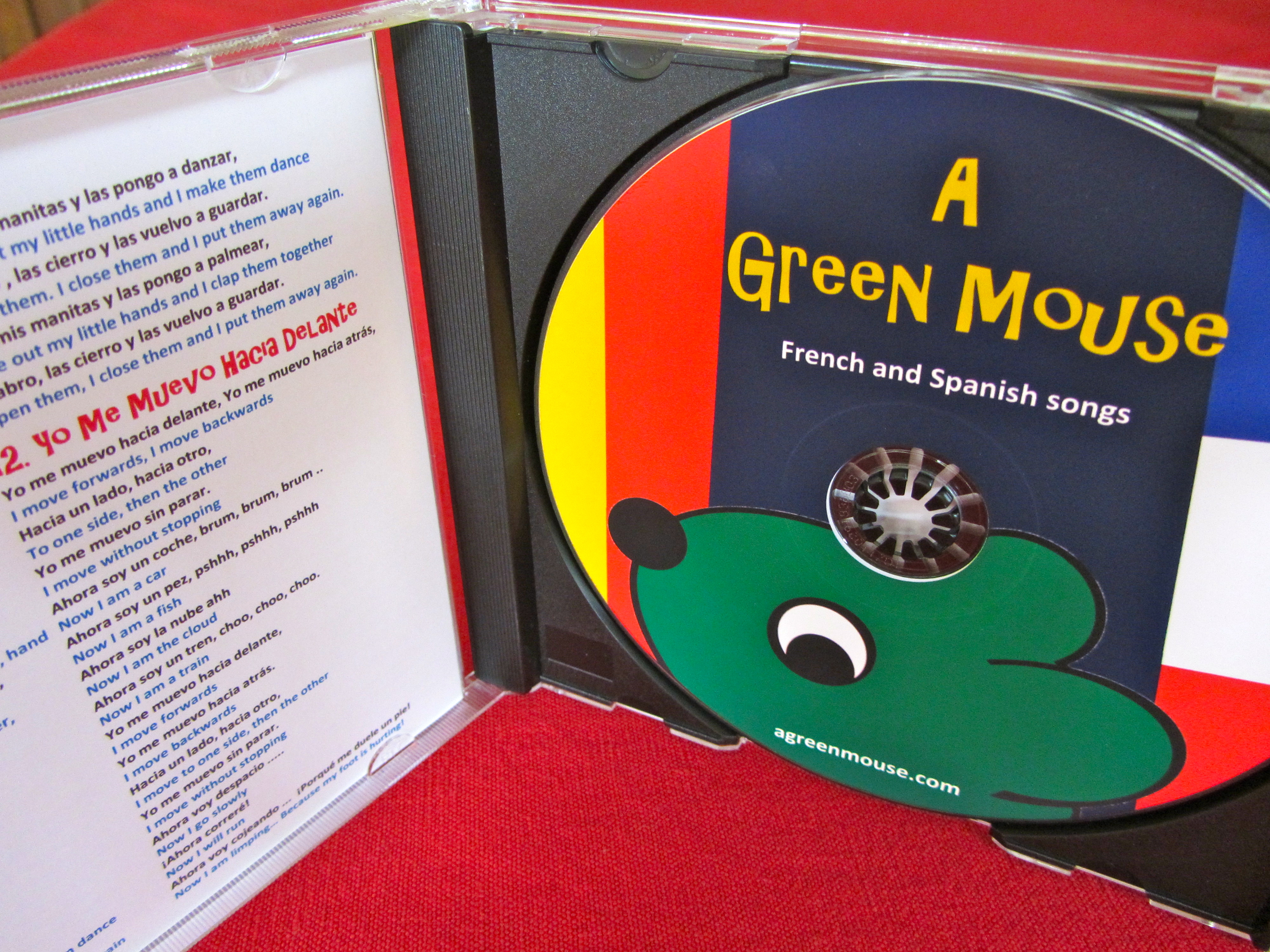 image for A Green Mouse French and Spanish songs for kids