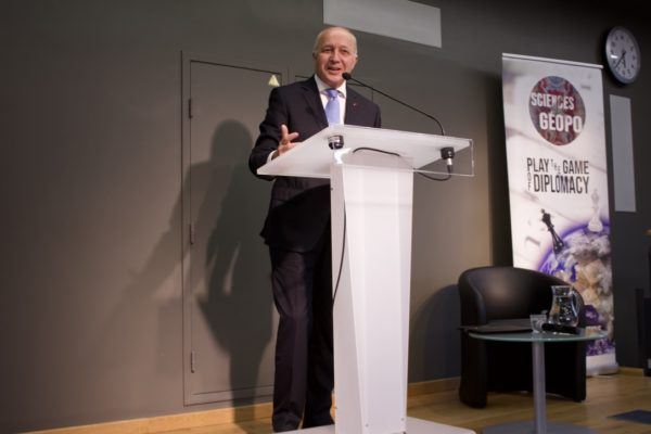 Laurent Fabius speaks at Sciences Geopo X SPE conference. Photo: Kenneth Thomas