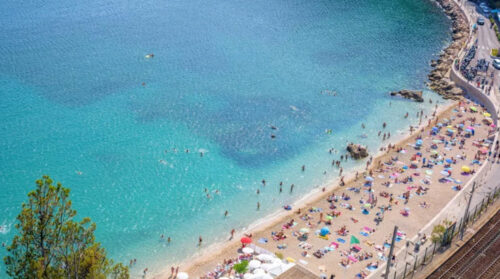 Best places to sunbathe and swim in Nice