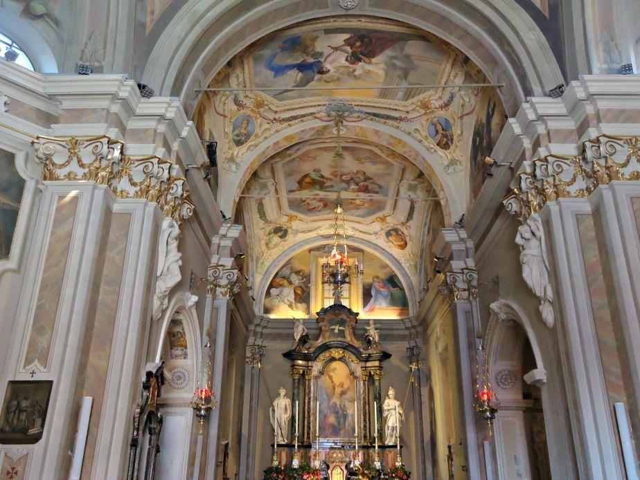Inside Chiesa Sant' Andrea Apostolo, Brunate