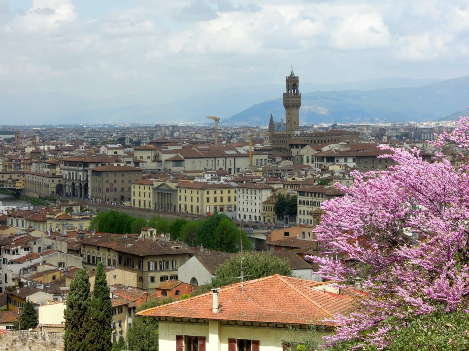 Palazzo Vecchio Tower and the Uffizi down on the River Arno