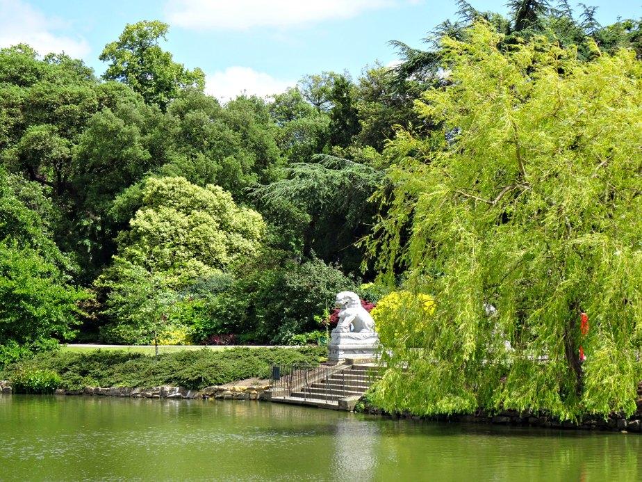 Oriental White Lion Sculpture, Kew Gardens