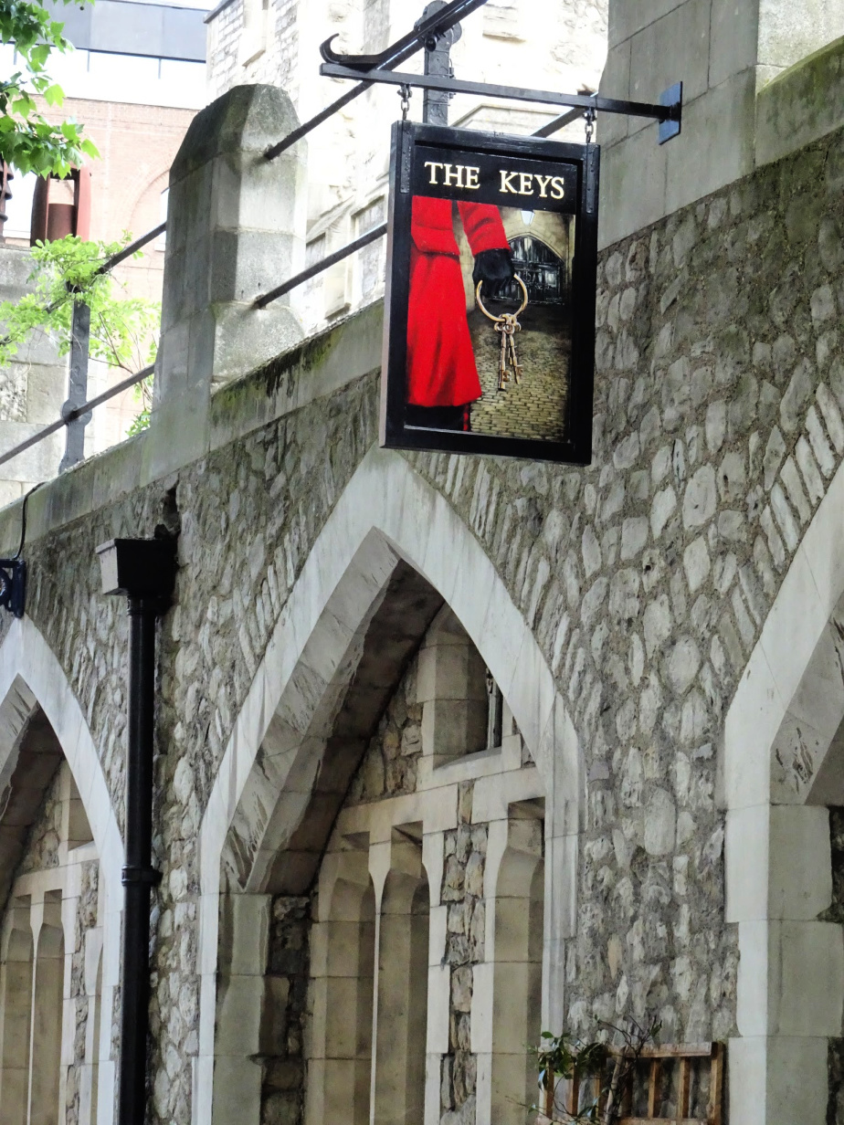 The Keys, The Yeoman Warder's Pub at The Tower