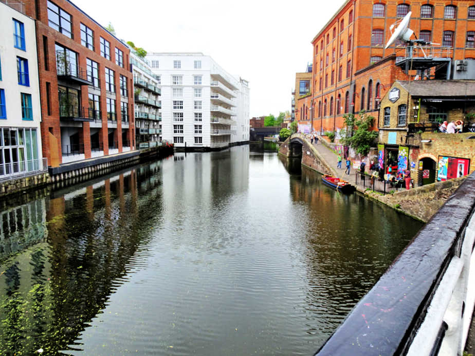 The start of the Canal Walk