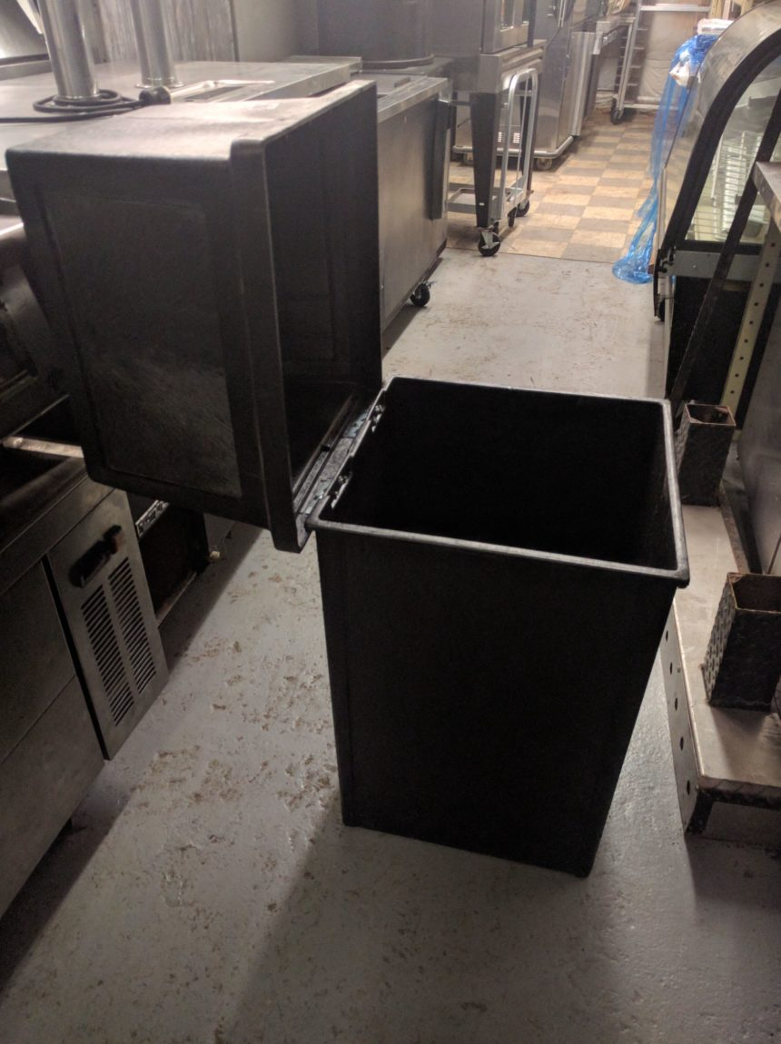 open view Continental King Kan Waste Receptacle
