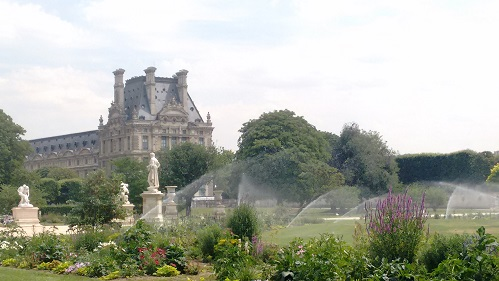 Louve Paris France -Five museums not to be missed in 2018