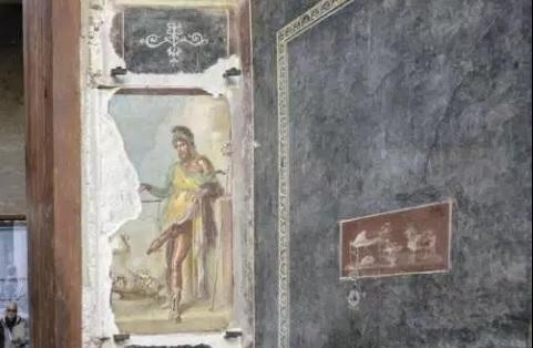 Walking Erotic Pompeii Vettii House- Italy
