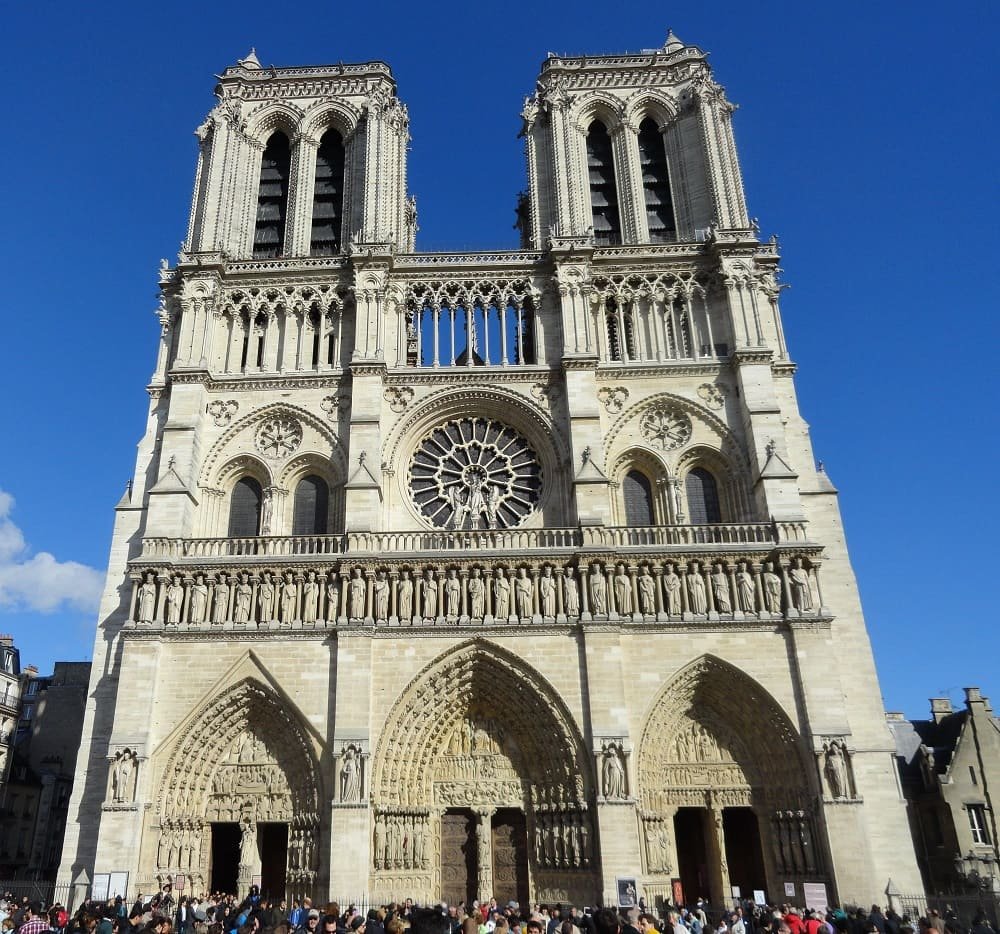 Paris France - NotreDame -#Orsay Museum -#Eiffel Tower - Paris France -Travel Guide 2020 - Travel Guide 2020. -#Paris Travel Guide 2020 : First Day Paris Travel Guide 2020: Walk in three days and get to know the main sites, included and some recommendations do not waste a minute of time #France #travel #trip