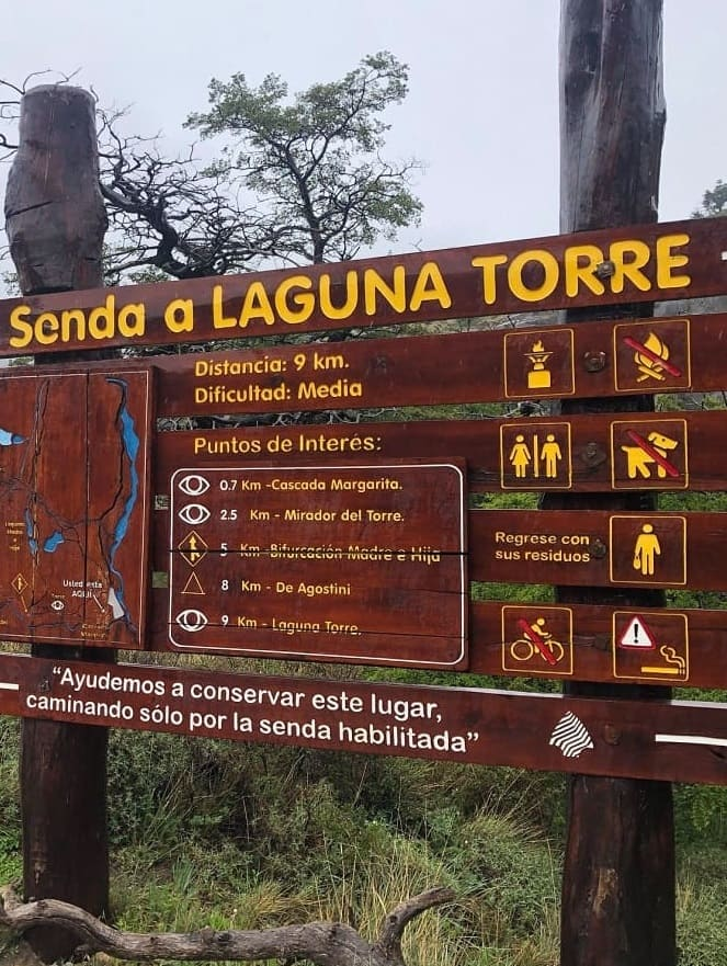 Senda a Laguna Torre - #Glacier Laguna Torre Trail - #Chalten - Argentina #Trail: In the Argentine #Patagonia almost at the end of the world, in a town of 300 inhabitants called Chalten, you can visit glaciers in places that have very little human presence. #hiking #trekking #outdoor