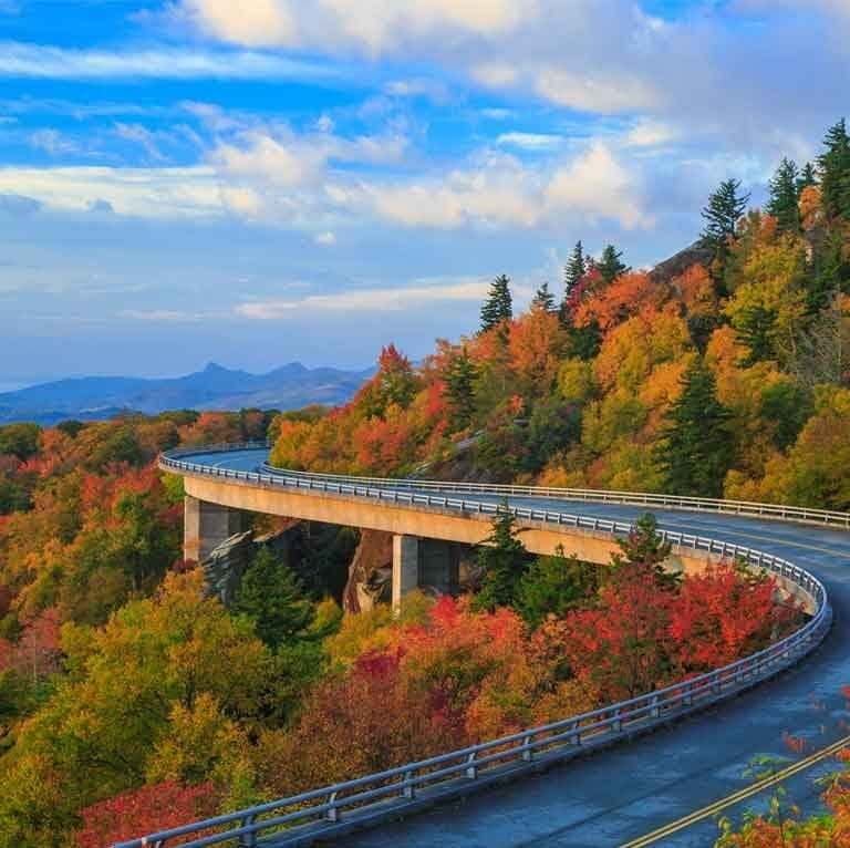 Road Trips Across USA Road Trips across the United States: The adventure of traveling the routes of the United States is incomparable. Management integrates one into the landscape and forces one to become familiar with the place like a local. Nothing beats the road trip.