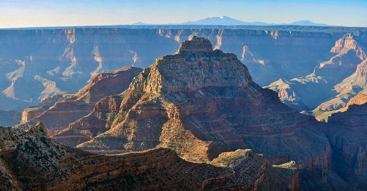 Grand Canyon National Park - Arizona The one of the greatest shows in the world. Visiting the Grand Canyon National Park is having before us more than 80 million years of geological history. More than six million recreational visitors travel to Arizona every year to marvel at this open crack in the ground Photo NPS