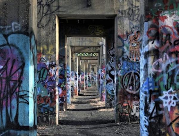 graffiti pier park