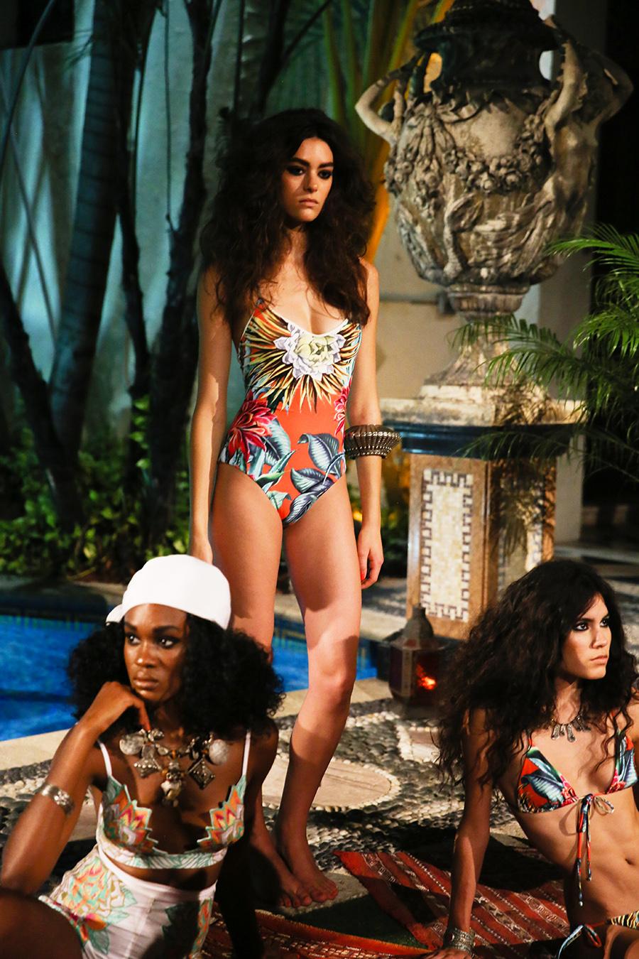 * Mara Hoffman Resort 2016 Versace Moroccan 281