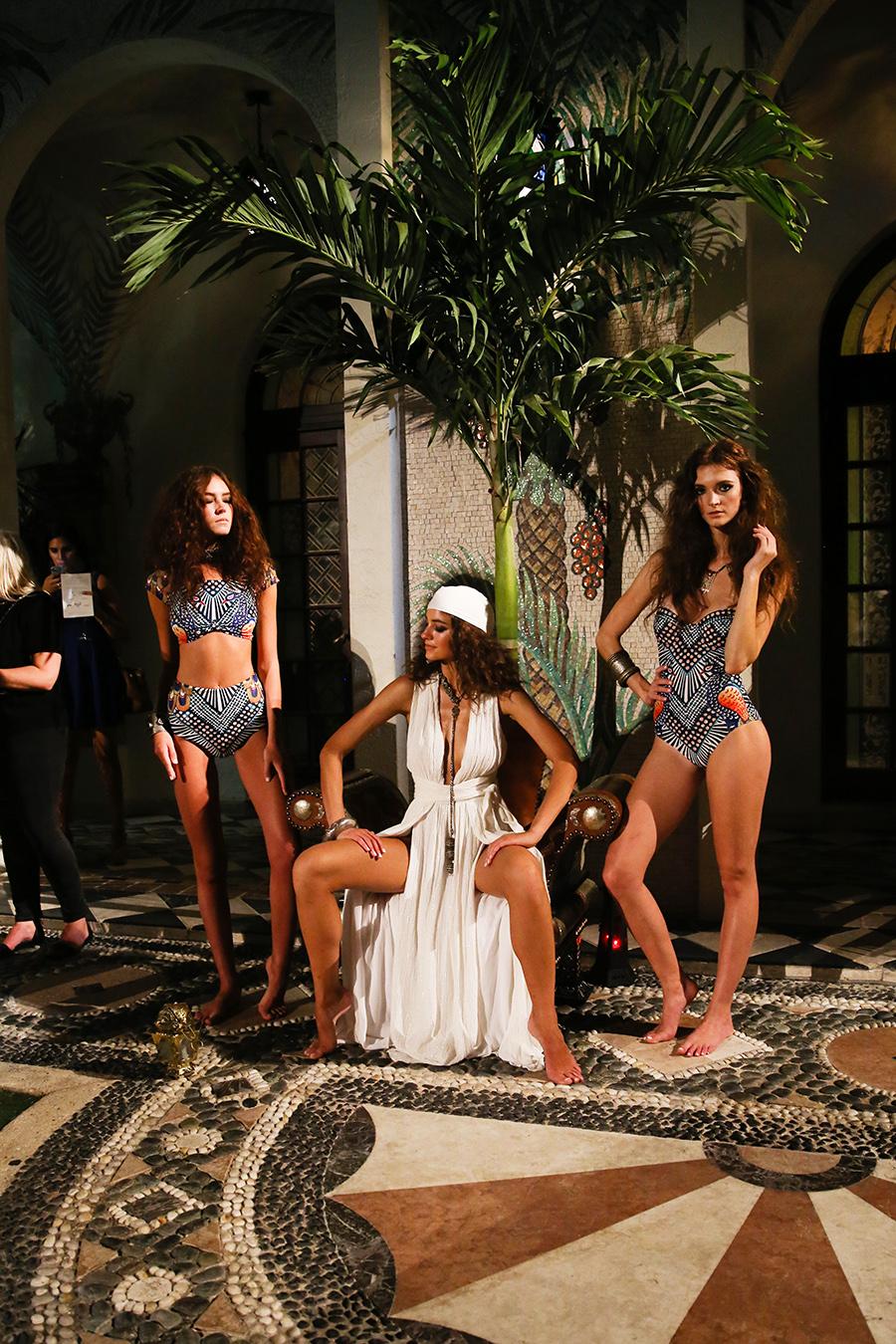 * Mara Hoffman Resort 2016 Versace Moroccan 286