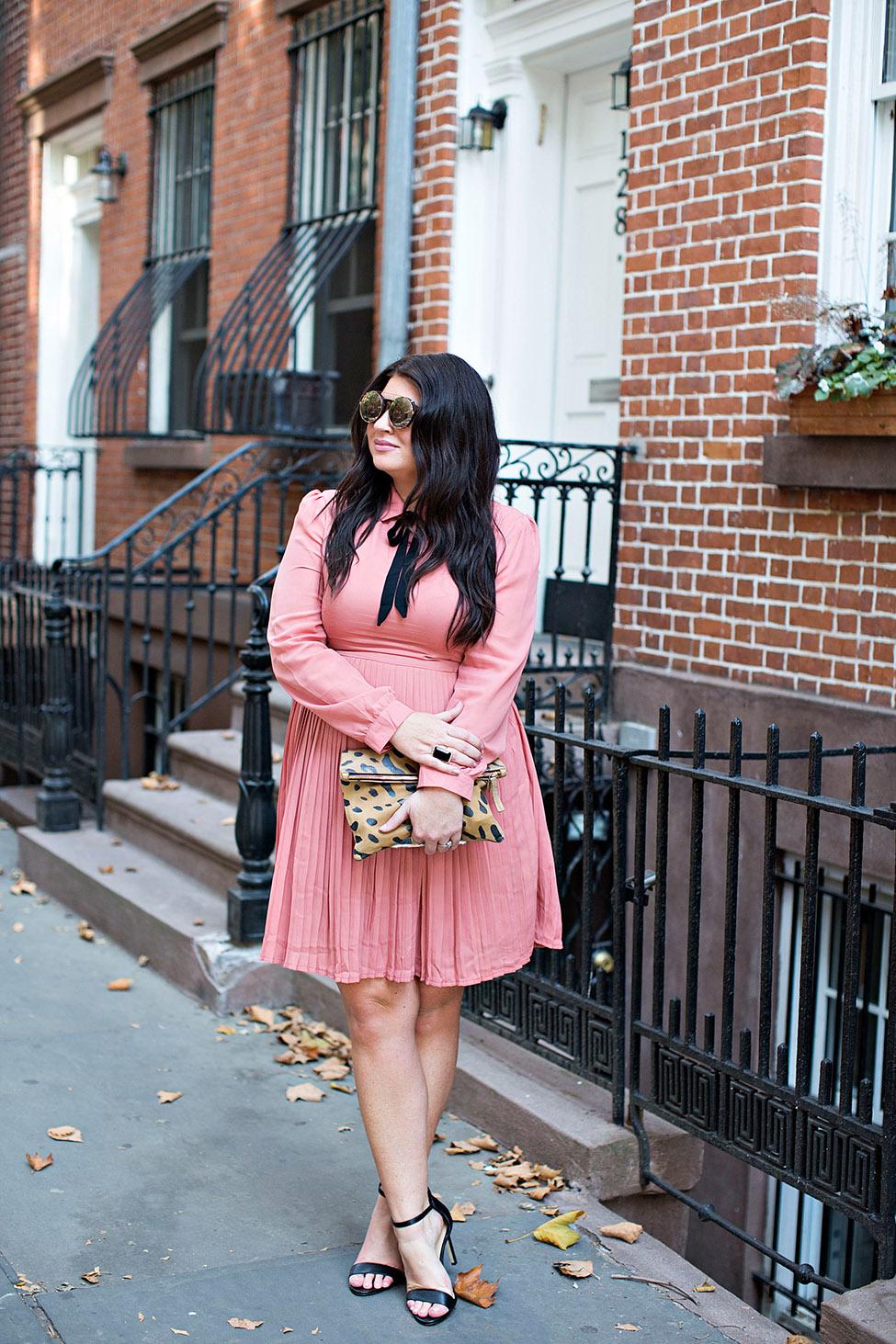 jami-ray-tie-neck-dress-30a-nyfw-street-style-01blog