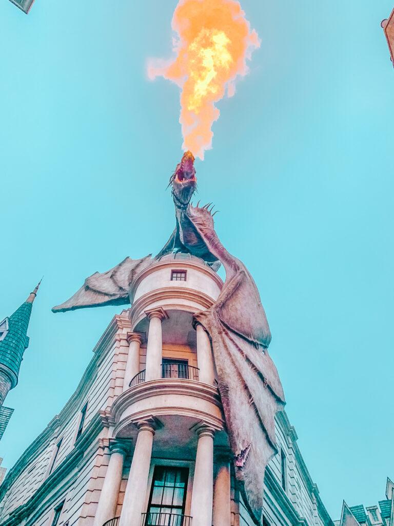 30A Mama Travel - Gringotts Drago Fire Universal Studios