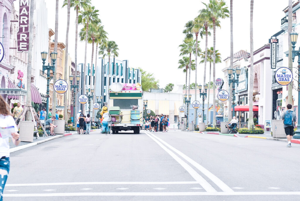 30A Mama Travel - Hollywood Simpsons