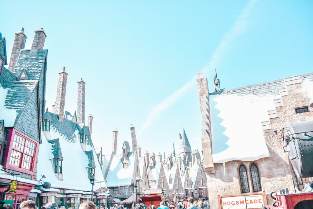 30A Mama Travel - Universal Wizarding World of Harry Potter - Hogsmeade Rooftops