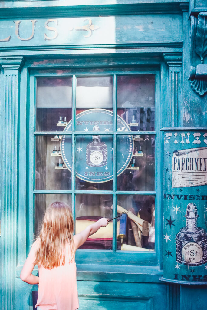 30A Mama Travel - Universal Wizarding World of Harry Potter - Scribbulus Secret