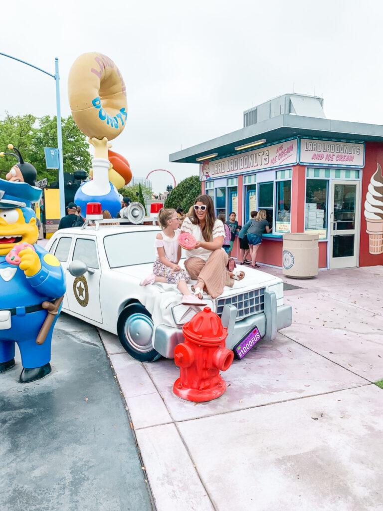 30A Mama Travels - Universal - Simpsons Lard Lad Donuts - The Big Pink