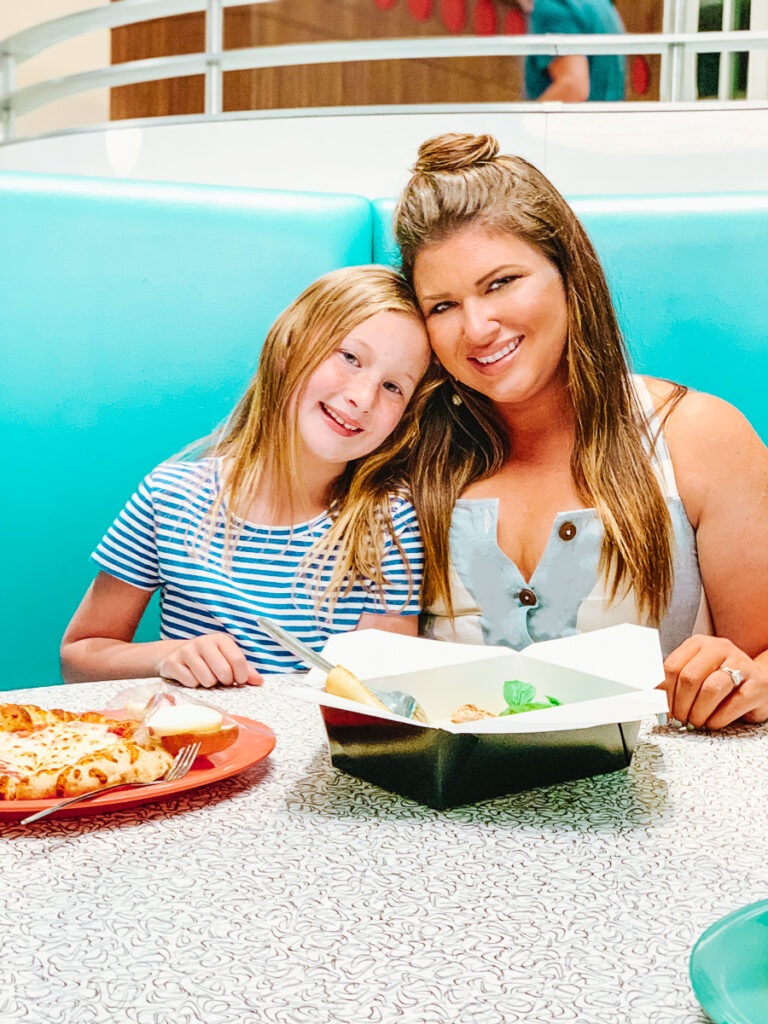 30A Mama at Universal Hotels Cabana Bay - Casual Dinner