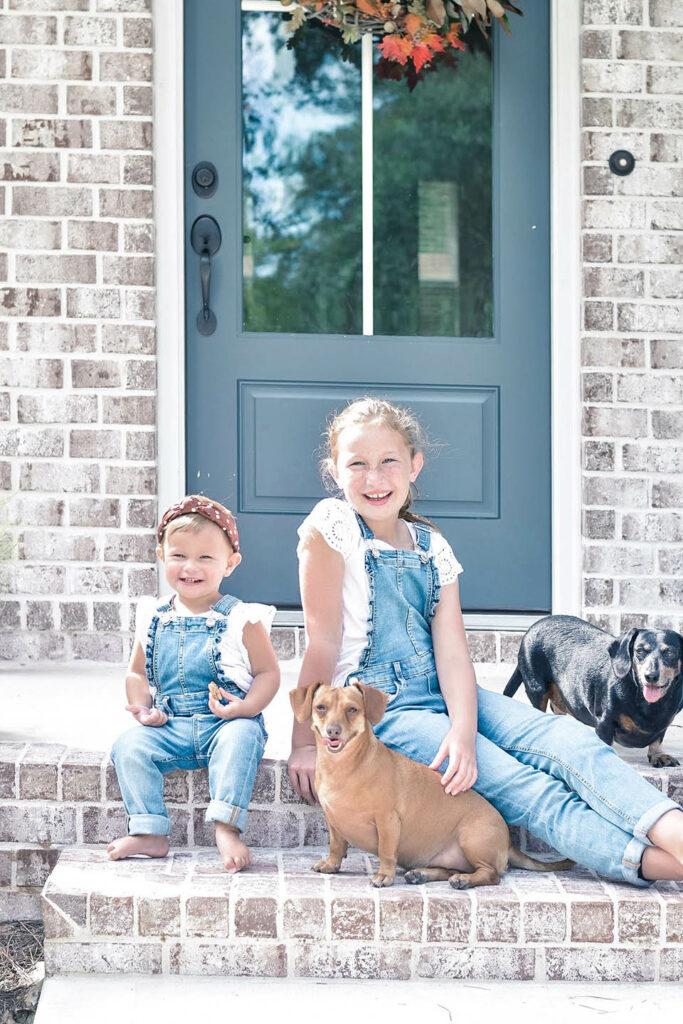30A Mama - Girls and their Dachsunds