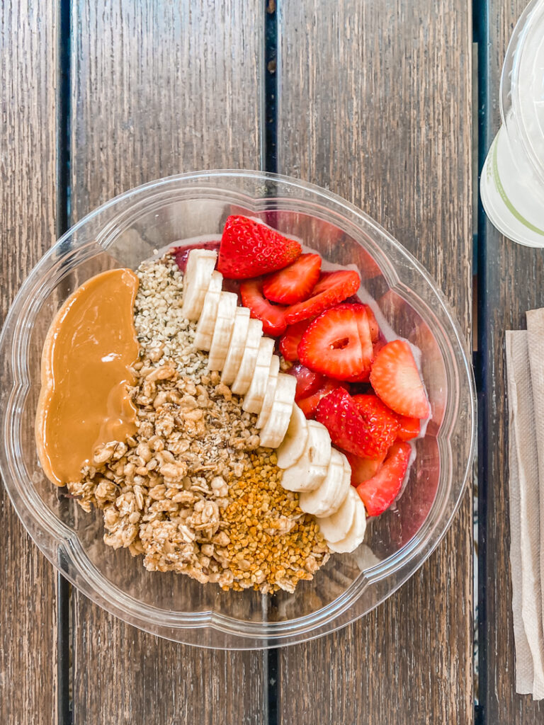 30A Mama - What to Eat on 30A- Acai Bowl at Raw and Juicy Alys Beach