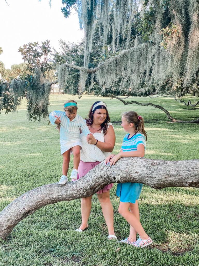 30A Mama Jekyll Island Club Oak Trees