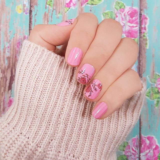 Color Street Rose Hill - Pink Flower Nail Art
