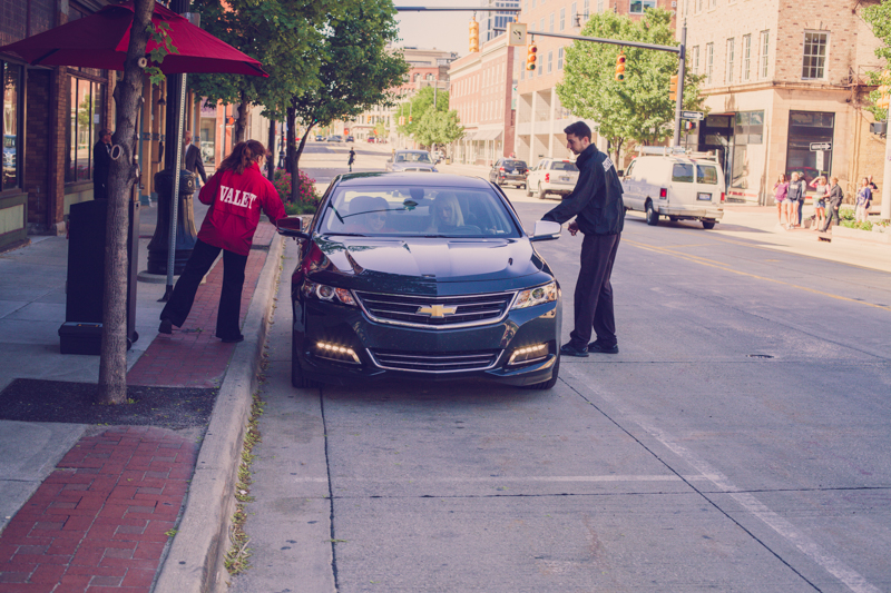 valet team helping guests at a wedding venue in downtown grand rapids michigan