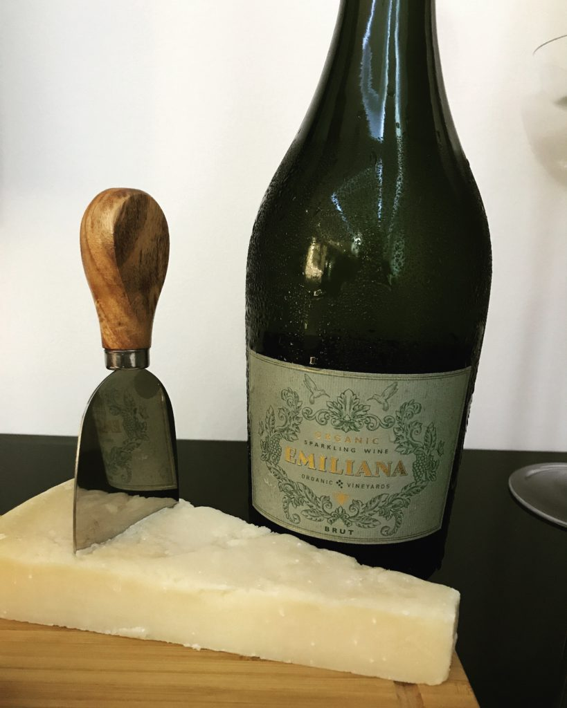organic sparkling wine and cheese pairing