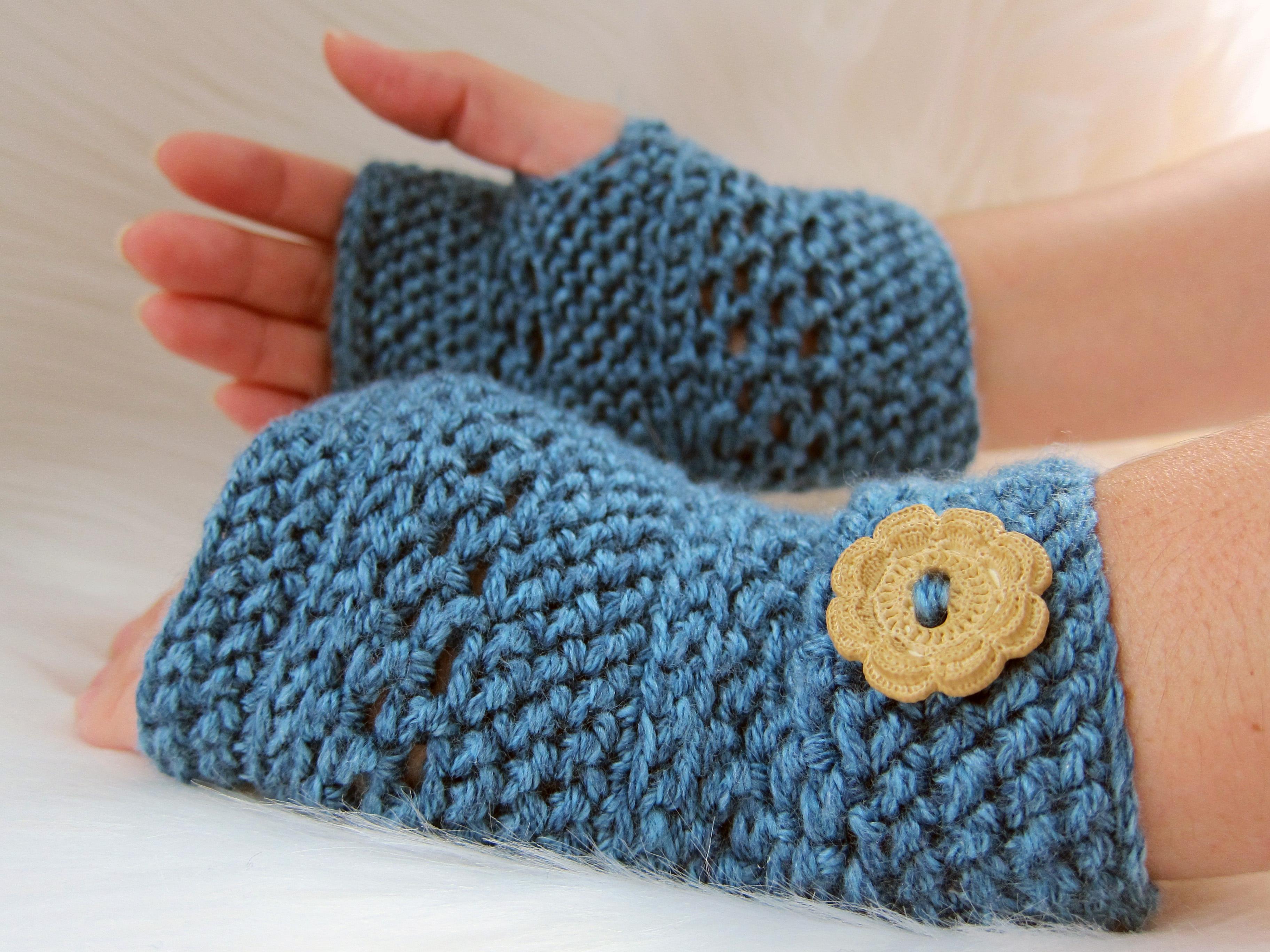 Crochet Fingerless Gloves by NorthEastMama