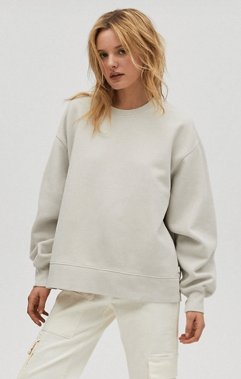 Comfy baggy sweater to incorporate into your work from home outfit