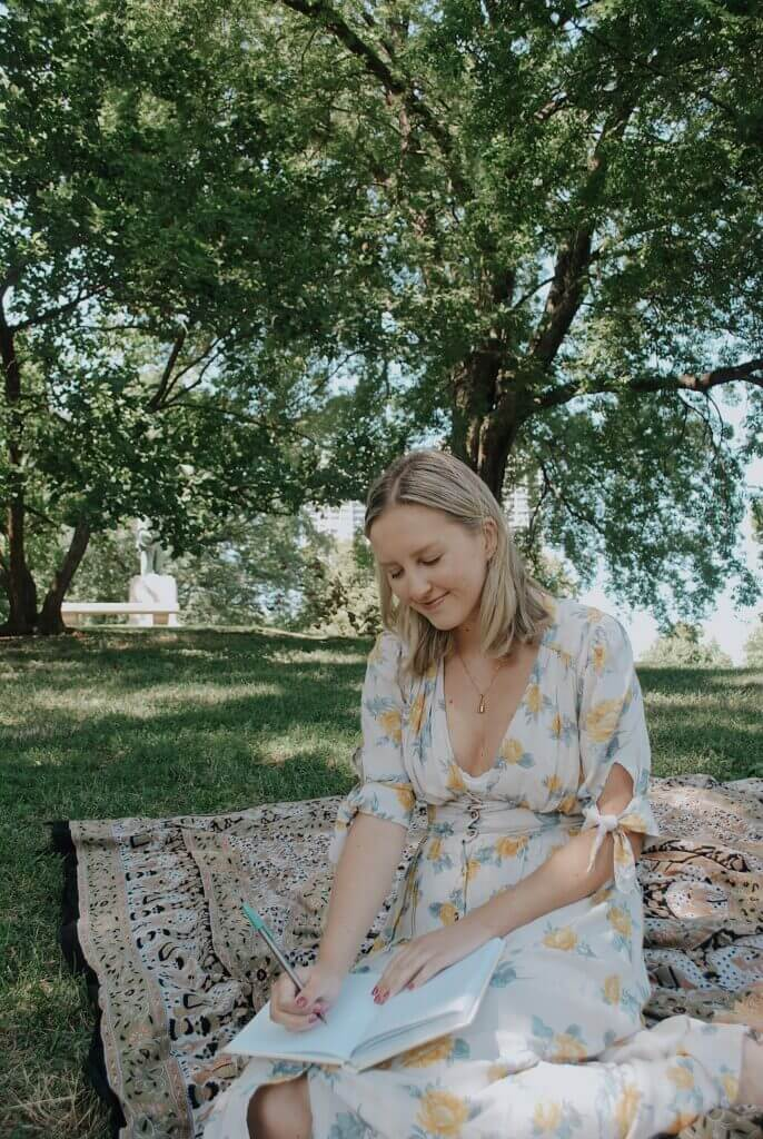 Spending some time in the park using the benefits journaling to manage stress