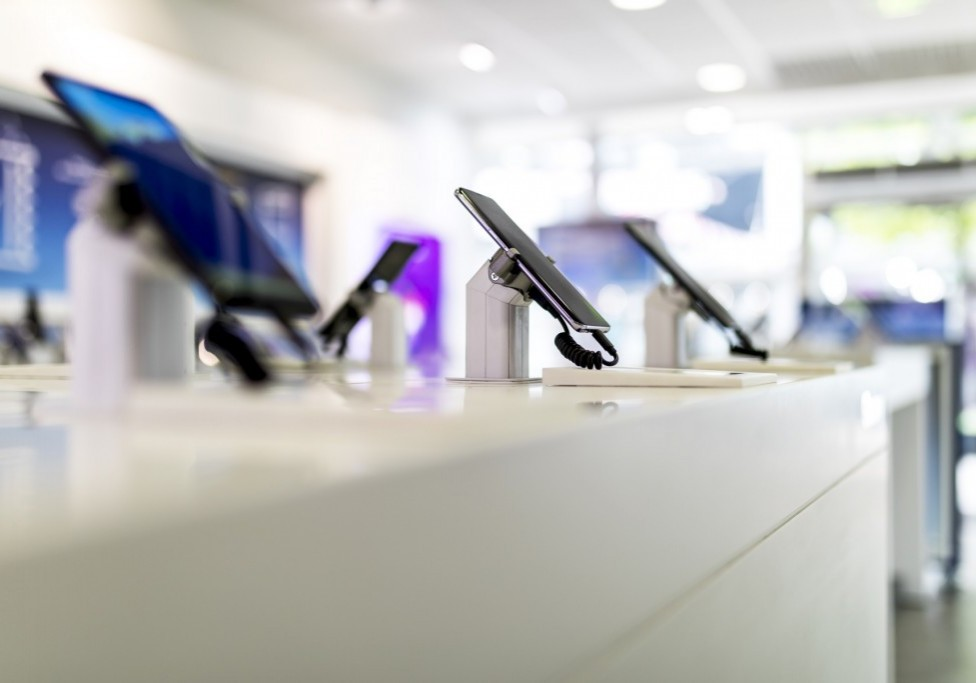 cell phones or mobile phones on display