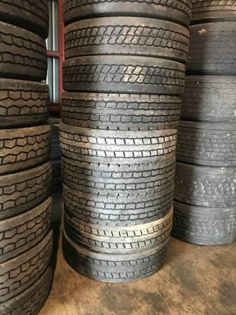 Used semi truck tires (Springfield Missouri) $85