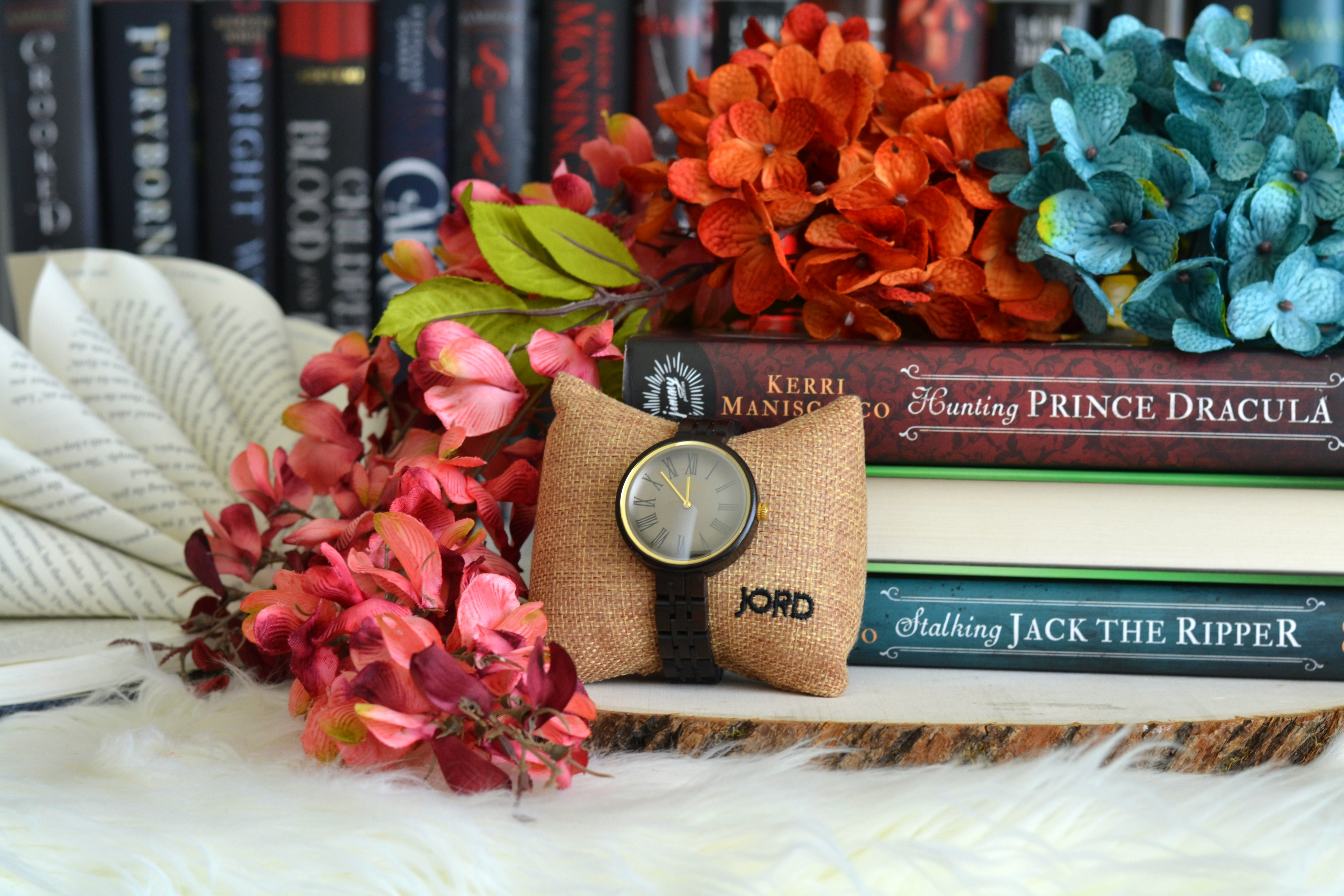 3 Reasons Every Book Worm Should Treat Themselves to a JORD Wood Watch