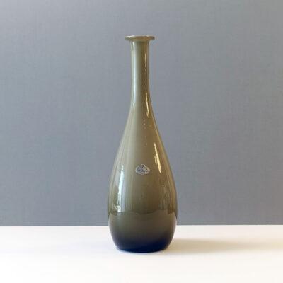 guildcraft-empoli-italy-cased-glass-vase