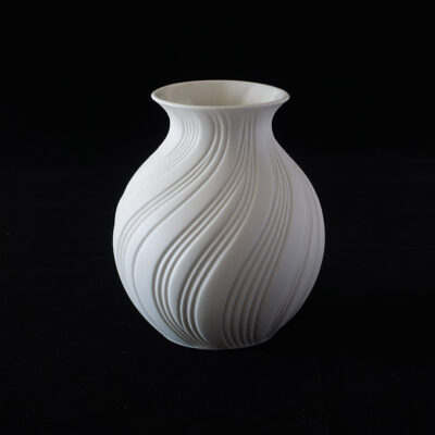 ak-kaiser-stout-swirl-bisque-porcelain-vase
