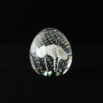 murano-lilies-contrlled-bubble-crystal-paper-weight