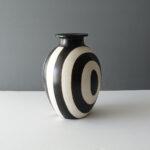 large-black-white-chulucanas-peru-pottery-vase