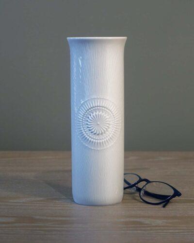 2018-038-Kaiser-White-Solar-Cylinder-Vase-rt_1