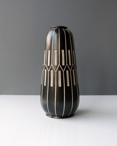 2018-416-piesche-and-reif-large-sgraffito-tapered-east-german-gourd-vase