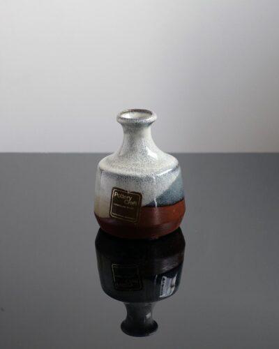 2018-422-small-light-color-cheme-pottery-craft-bud-vase